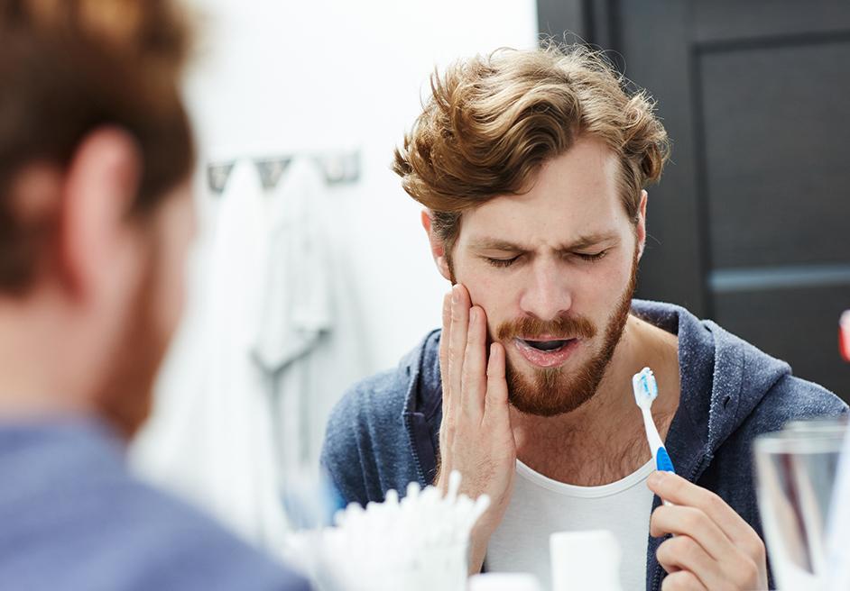 Zahnimplantat Schmerzen?